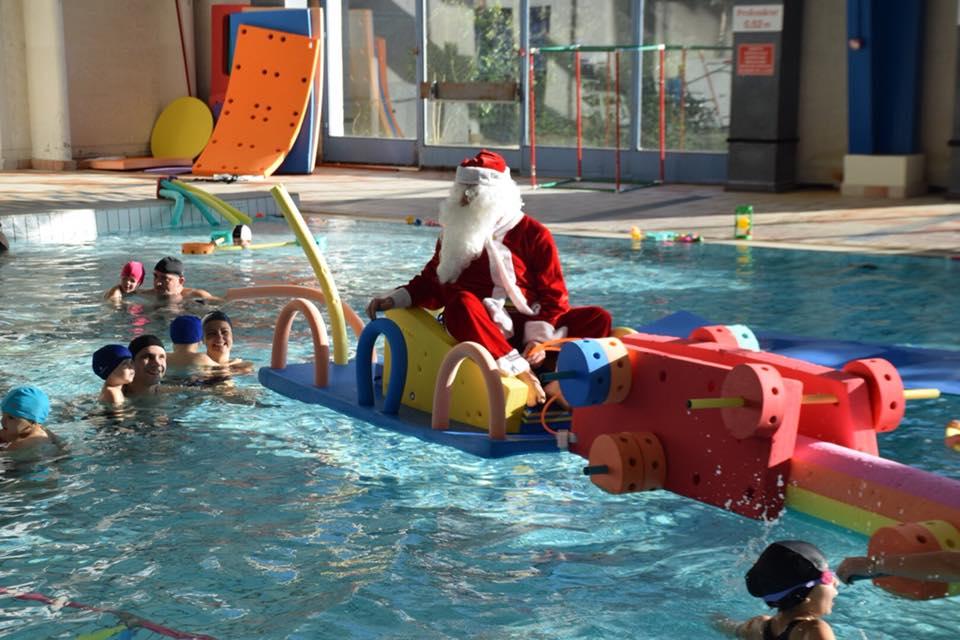 Visite du p re no l la piscine municipale de beaucaire for Construction piscine municipale
