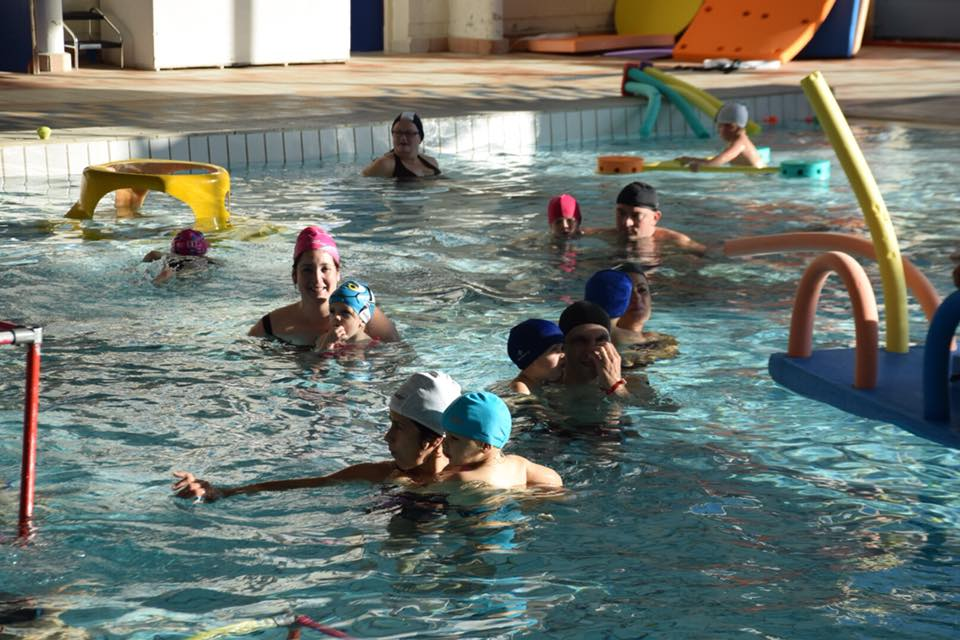 Visite du p re no l la piscine municipale de beaucaire for Club piscine repentigny noel